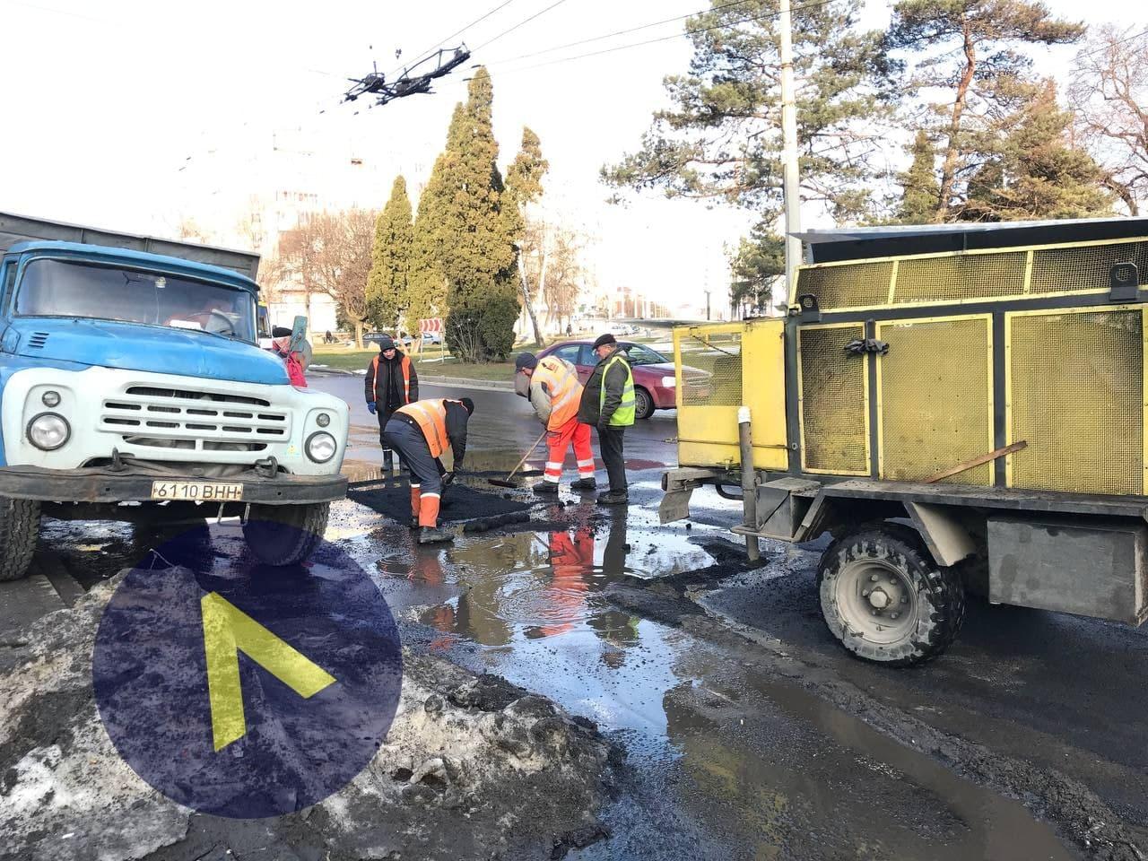 У Луцьку розпочали ремонт доріг (ФОТО)